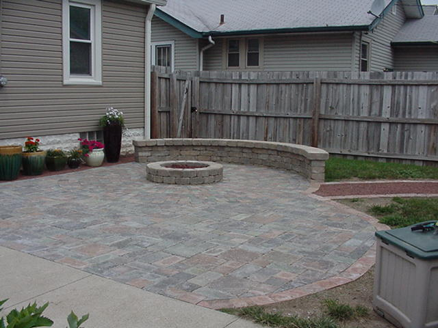 Hessit Roman Tumbled Allegheny Paver Patio Natural Gas